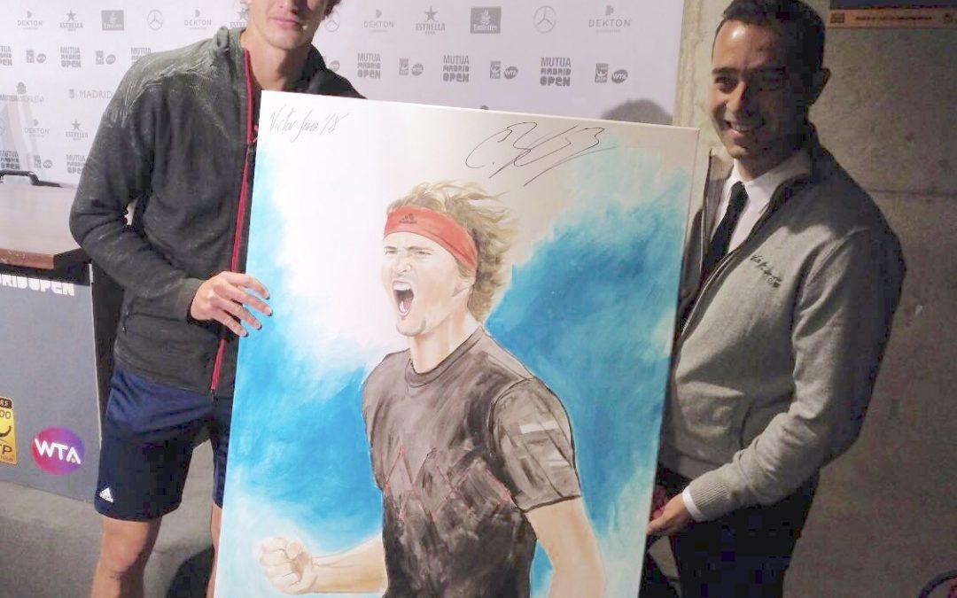 Thiem y Zverev firman el cuadro que Victor Jerez les ha pintado durante la Final del Mutua Madrid Open