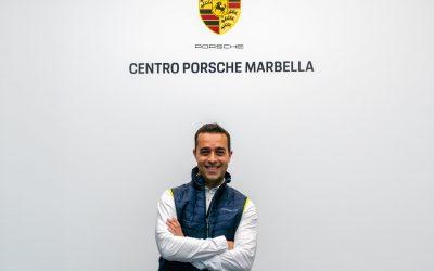 El primer embajador del Centro Porsche Marbella, Víctor Jerez, el pintor de los deportistas