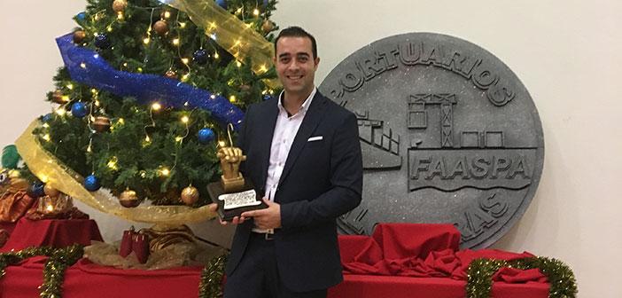 """Víctor Jerez recibe el """"Estibador de Oro"""""""