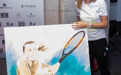 Petra Kvitova, la Campeona del Mutua Madrid Open 2018 firma el cuadro del artista Victor Jerez